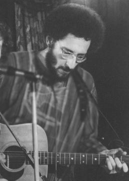cf.guitar.1975